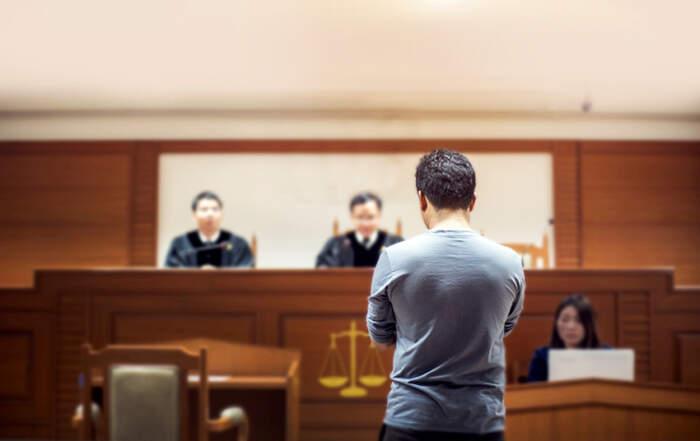 ¿Tengo que ir a la corte por un accidente de auto?